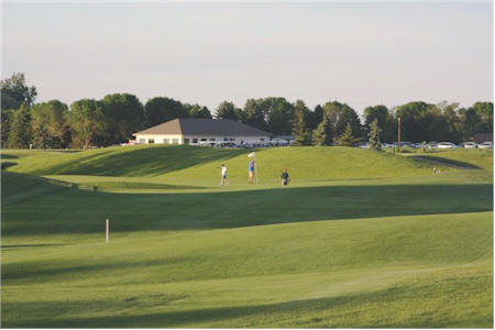 CrossRoads Golf Course: 18 Challenging Holes!
